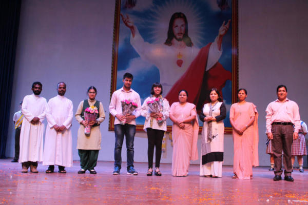 felicitation of toppers